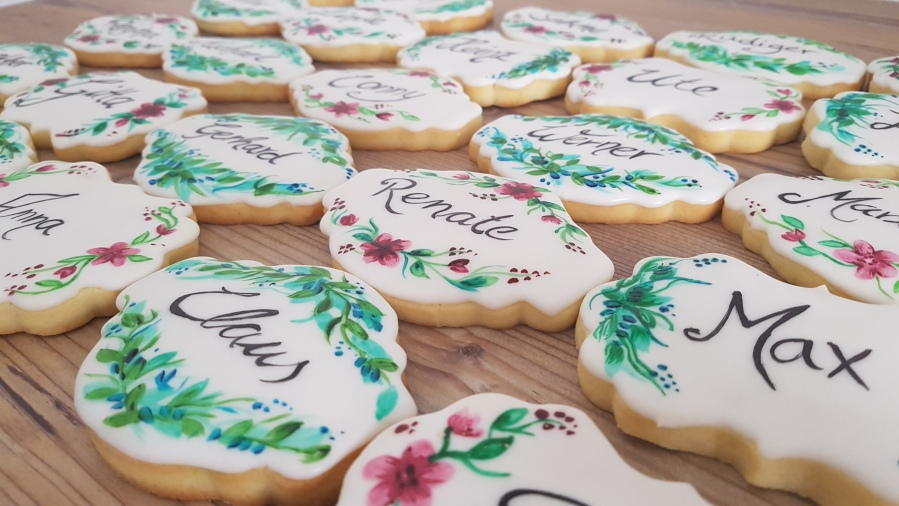 Royal Icing: Handlettering auf Cookies.